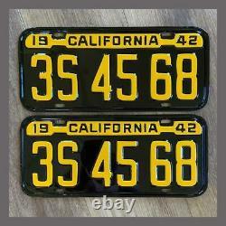 1942 CALIFORNIA Passenger Car License Plates Pair Restored DMV Clear YOM 43 44