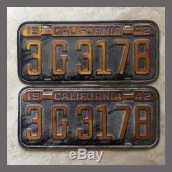 1942 California License Plates Pair Original DMV Clear YOM Passenger Car